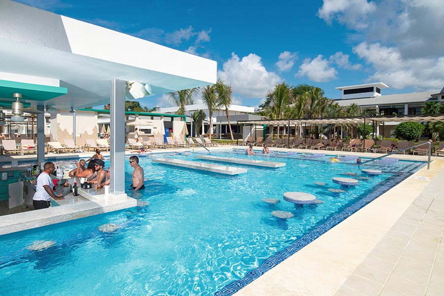Walk With No Shoes to the swim-up bar at the Hotel RIU Palace, Negril Jamaica